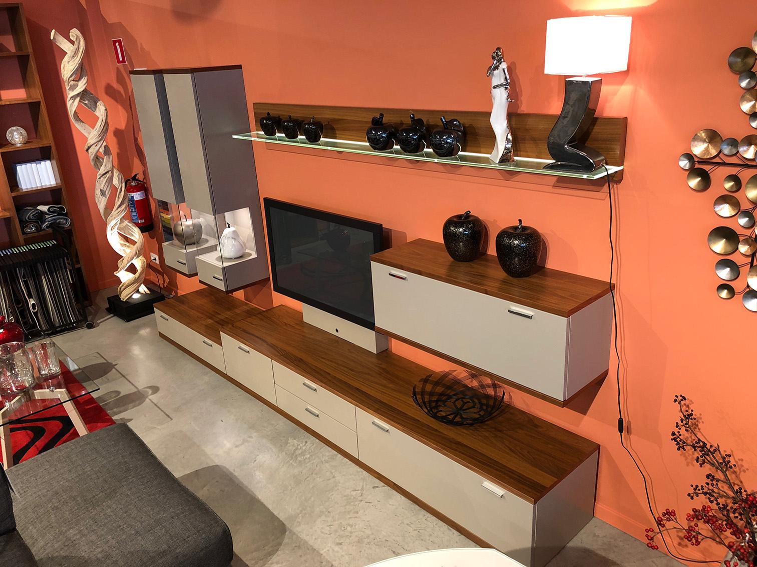 meubles tendances affordable les tendances dco de with meubles tendances meuble sur base combi. Black Bedroom Furniture Sets. Home Design Ideas